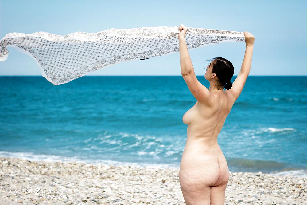 Фото Голых Жен На Море