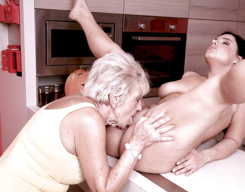 Секс Старых Бабушек Лесбиянок