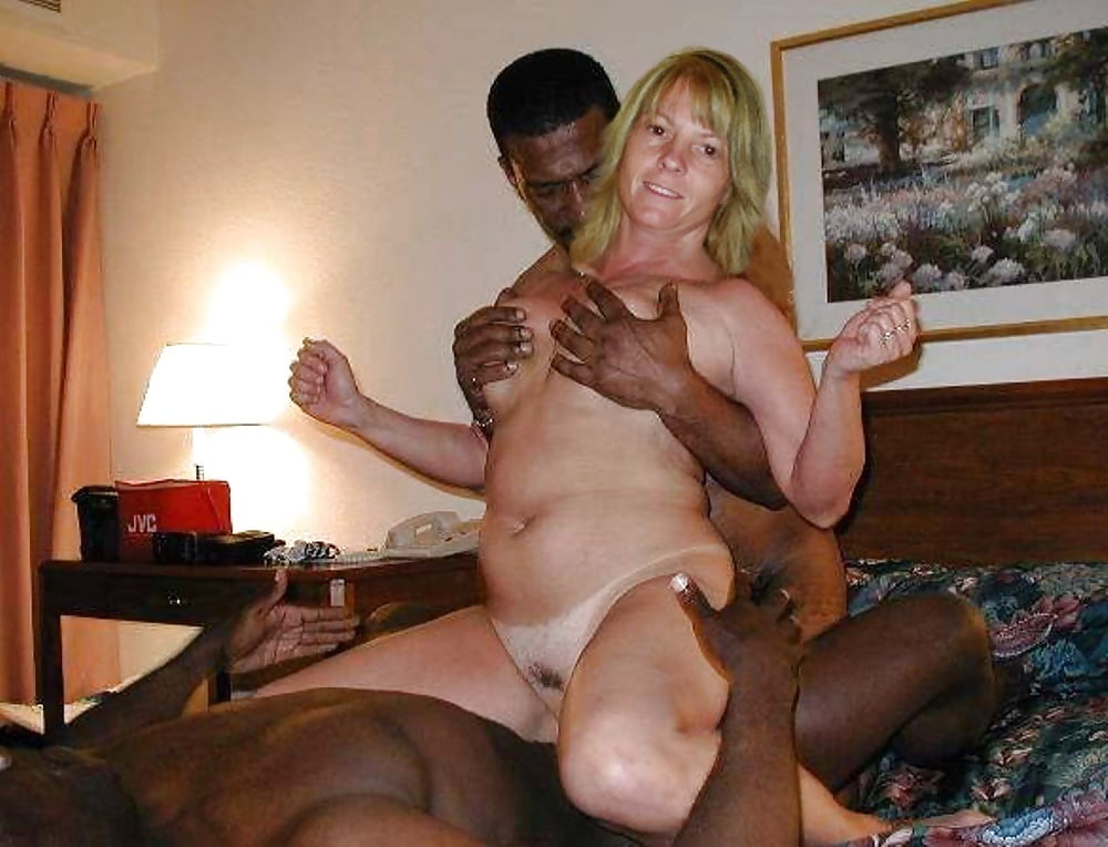 Married Men Cheat Their Wife With Horny Student Mature 1