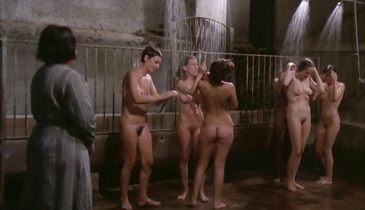 Anyuci Letámadja Fia Haverját, Míg Rá Várnak - Online szex videók pornó film
