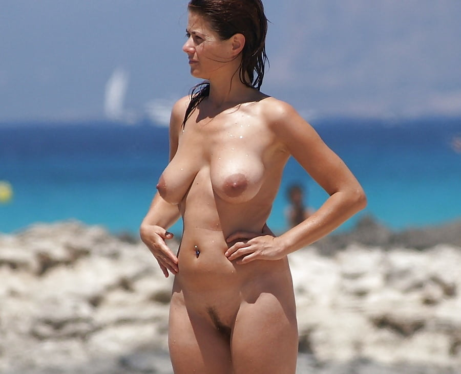 Красивые Обнаженные Девушки На Нудистском Пляже