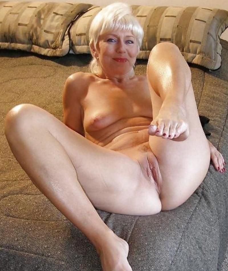 horney-older-women-naked