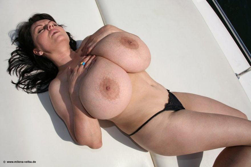 Big Boobs Pics With Nude Black Girls