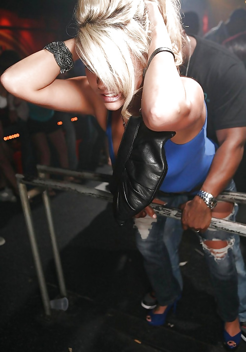 2 black girls grinding