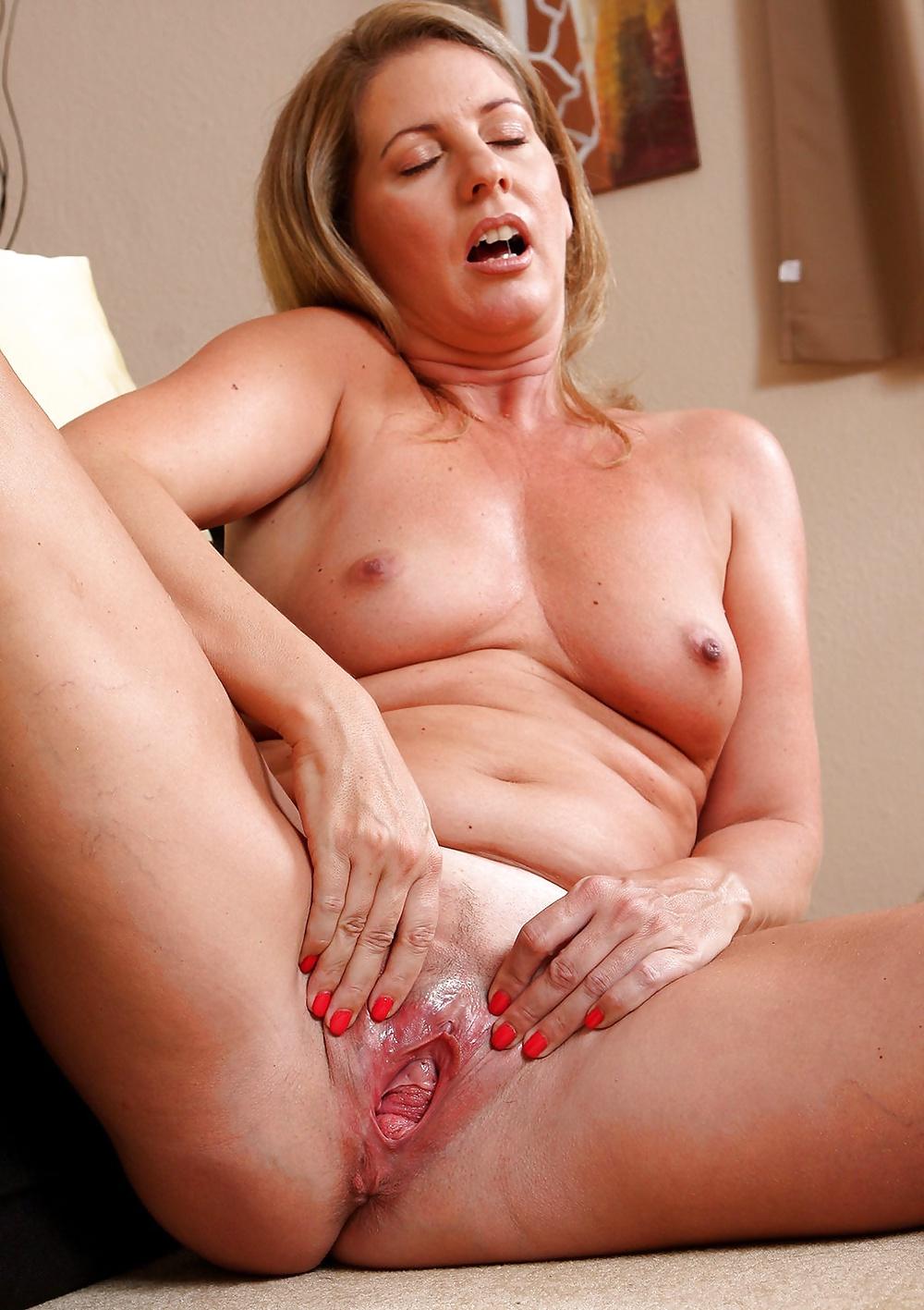 Фото эротика зрелых вагин #13