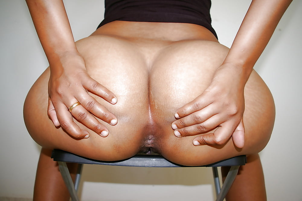 Nude arab spreading ass, milf threesome sex