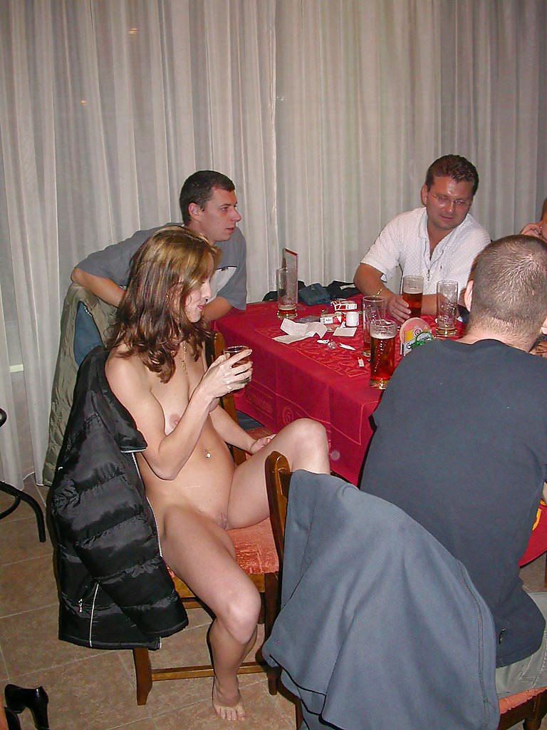 порно гулянка за столом