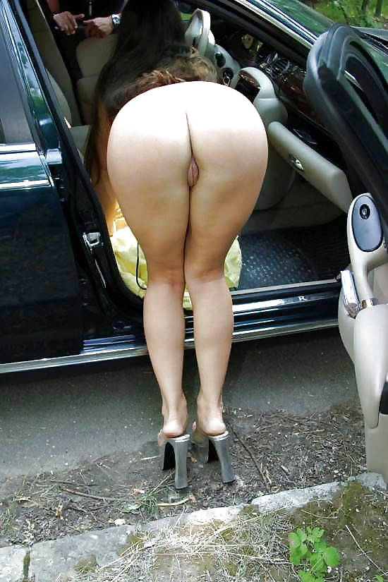 bent-over-cars-naked-movie-legally-blonde