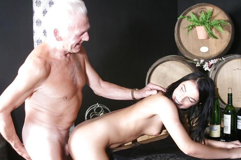 старые извращенцы работают пальцами трахать - 8