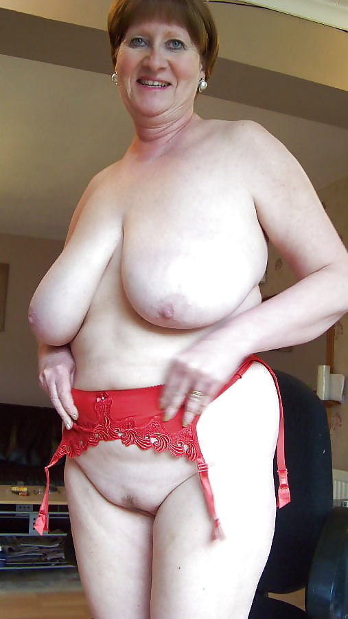 Grannies with big saggy boobs nude — pic 8