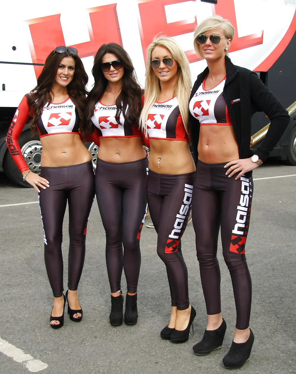 grid-girls-naked-pusy-pervert