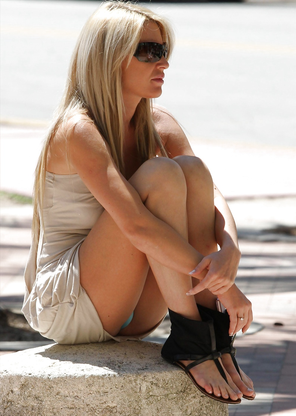 Free Blonde, Upskirt Pictures