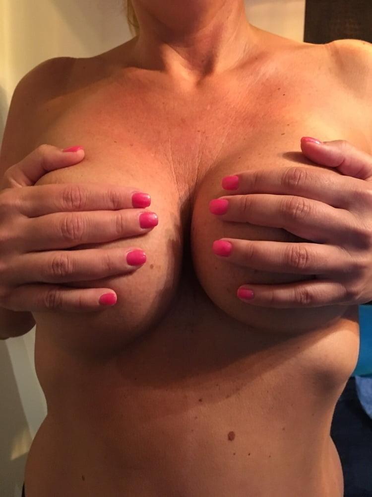 Curvy mature latina