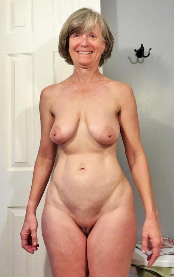 Wonderfully Wide Hipped Women 02 - 39 Pics