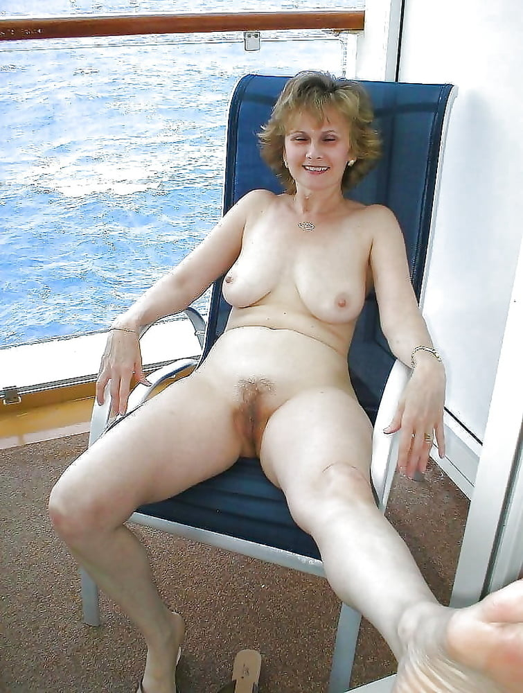 Nude older wives — photo 11