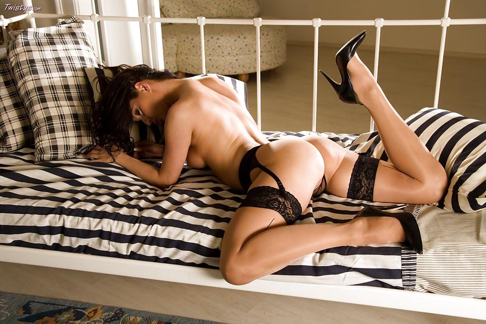 naked-girls-garter-israil-xxx-fucking-photos