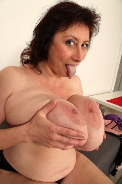 Big massive boobs porn-1051