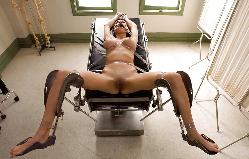 Черный пухлый голы секс со звуками на кресле видео конце