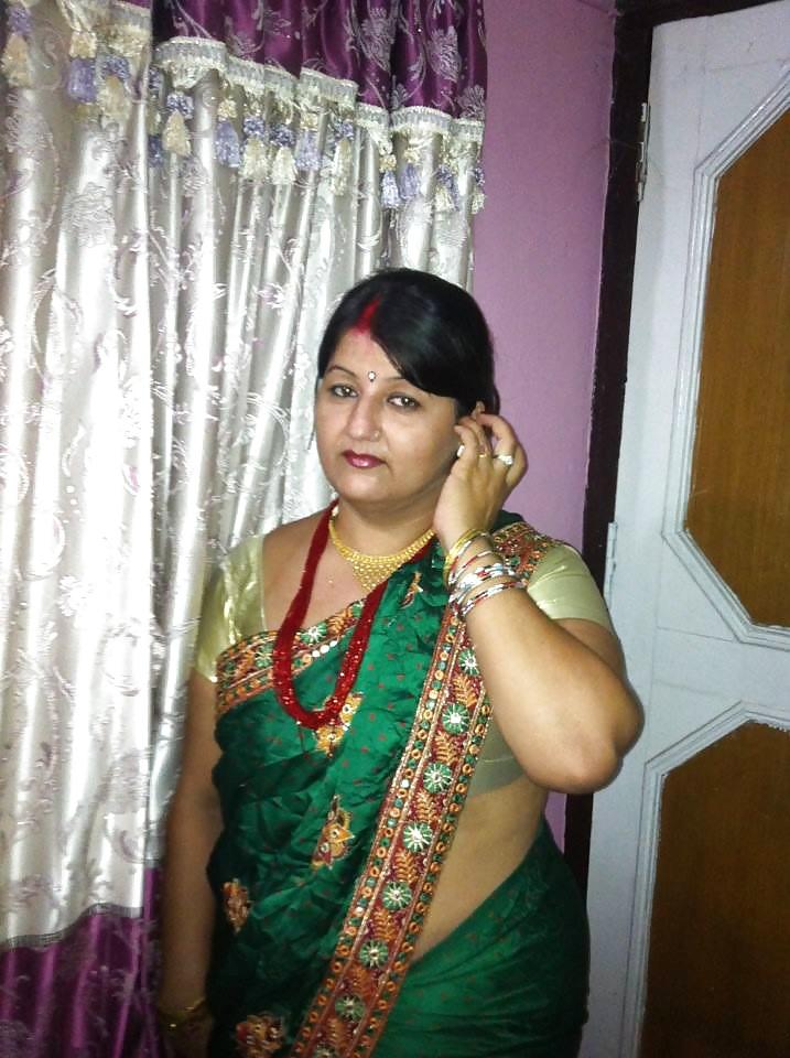 Sexy Mature Bbw Nepali Aunty Sarala Pandey - 63 Pics -4007