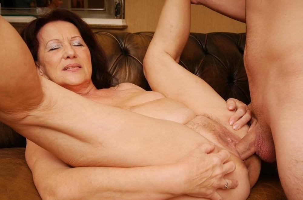 Older woman nude big boobs