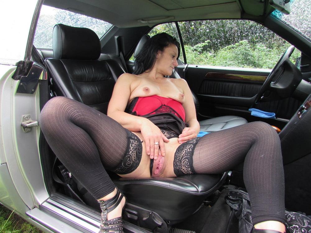 Порно зрелых в машине смотреть онлайн