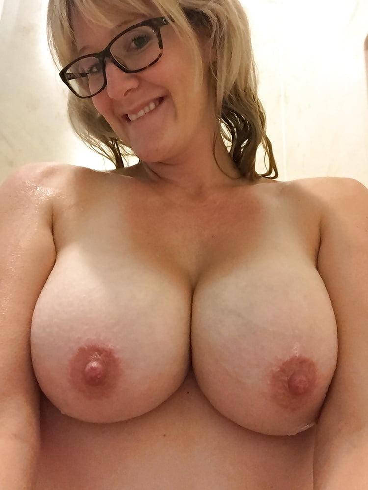 Emily sucking dick homemade