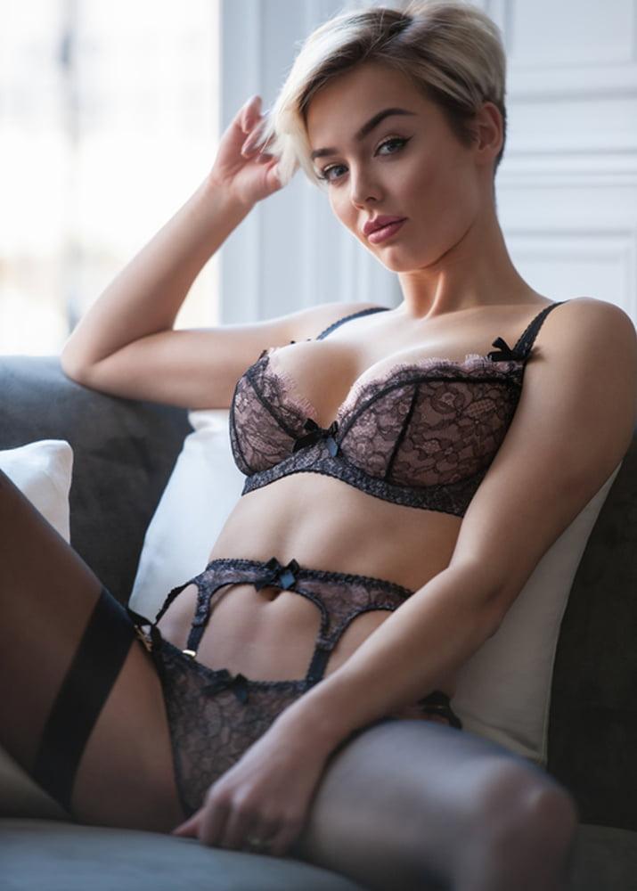 sonam kapoor sexy naked