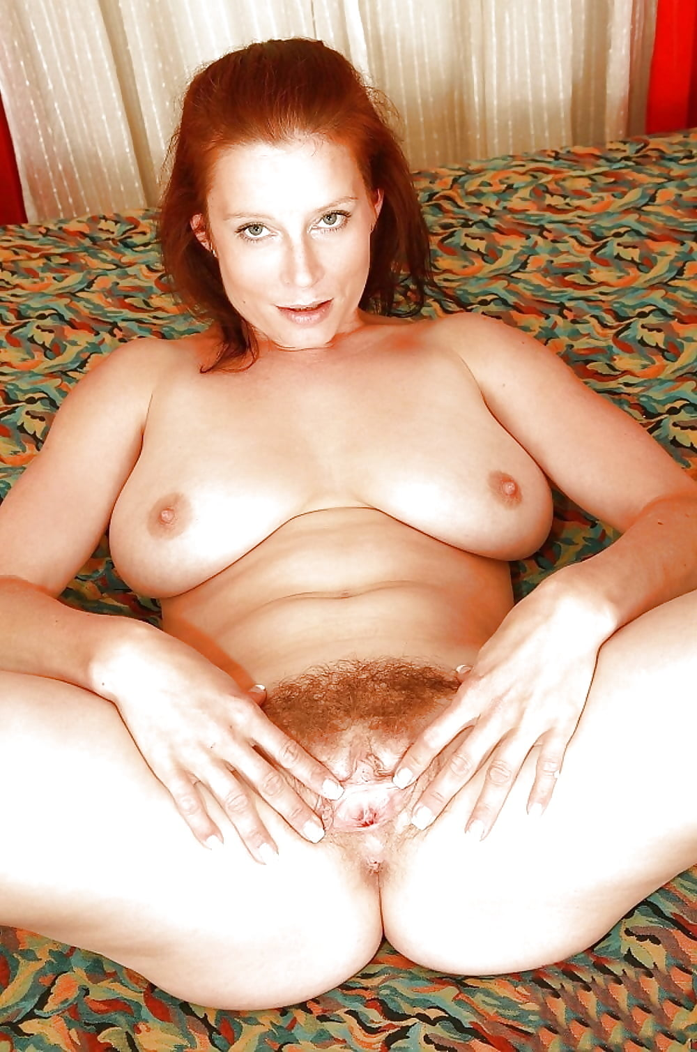 sexy-ginger-woman-stacked-milf-porn-party-trailers
