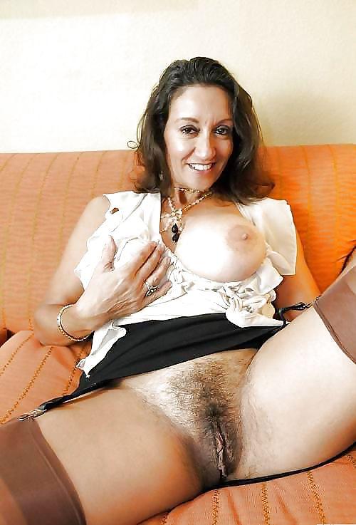Erotic Pix Light skin black chick