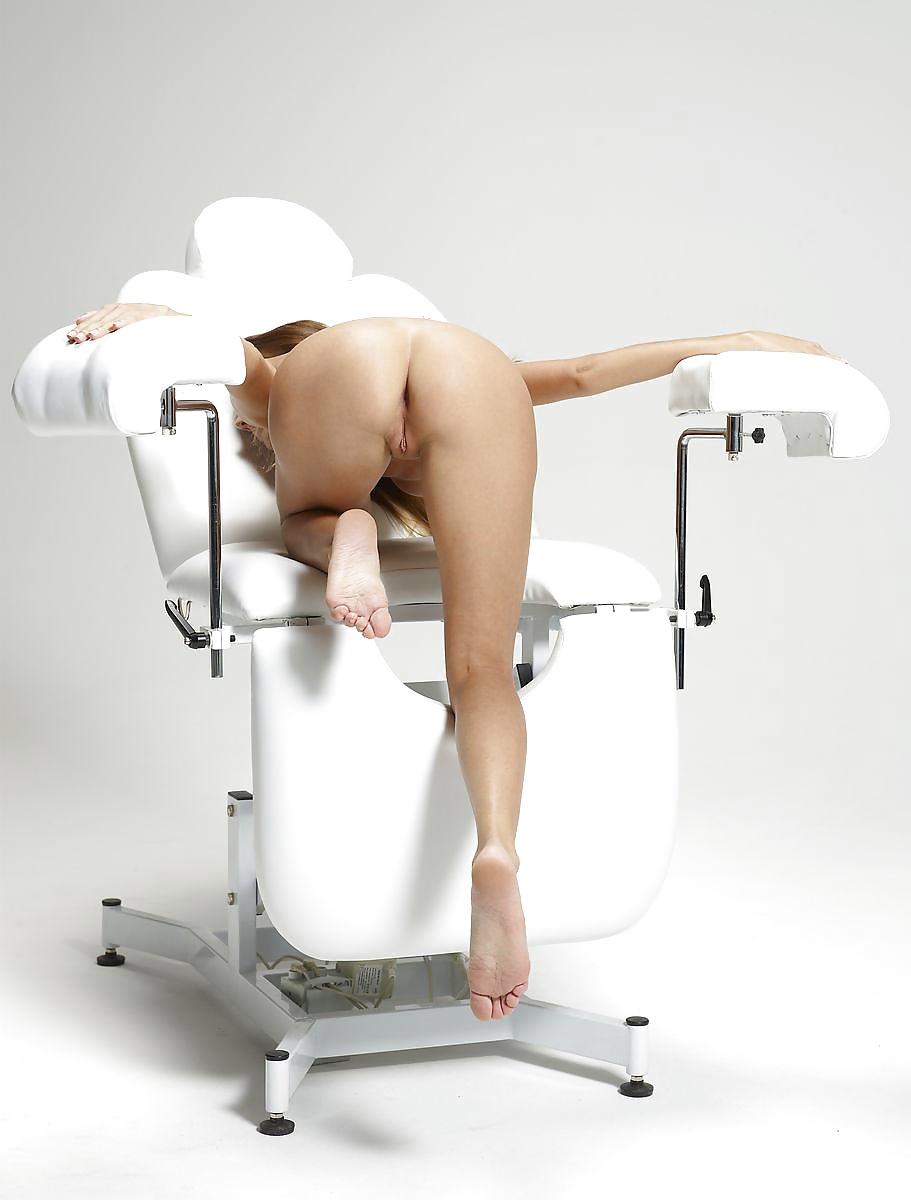 Цыпочки в гинекологическом кресле, бедам фетиш с негритянками