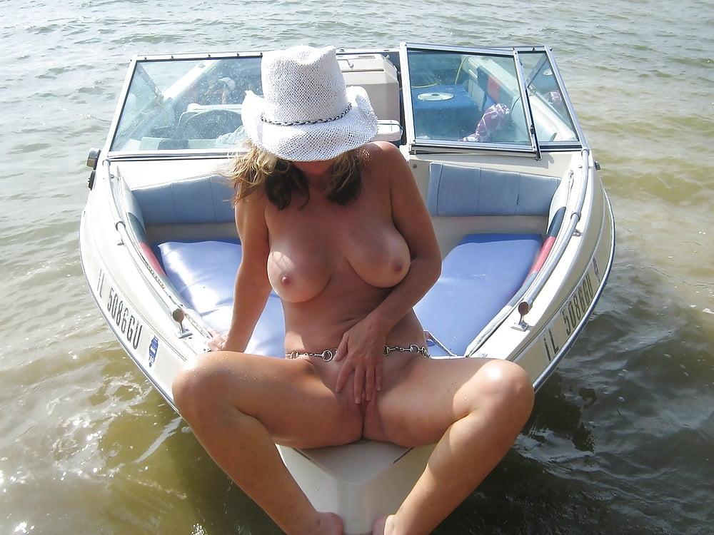 older-milf-shorts-boat-hot-women-weth-big-tats-nude