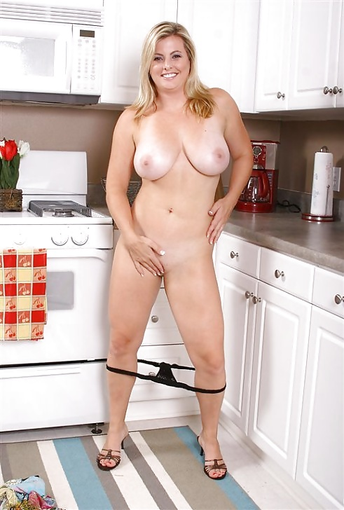 Busty housewife nude — 7
