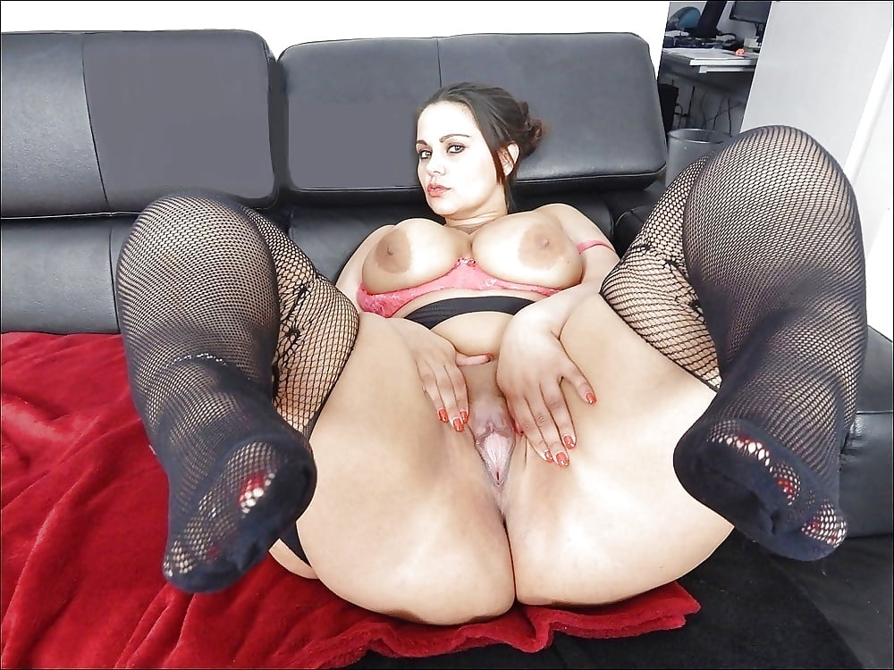 Huge Cunts Bbw Smokes And Strips Club 1