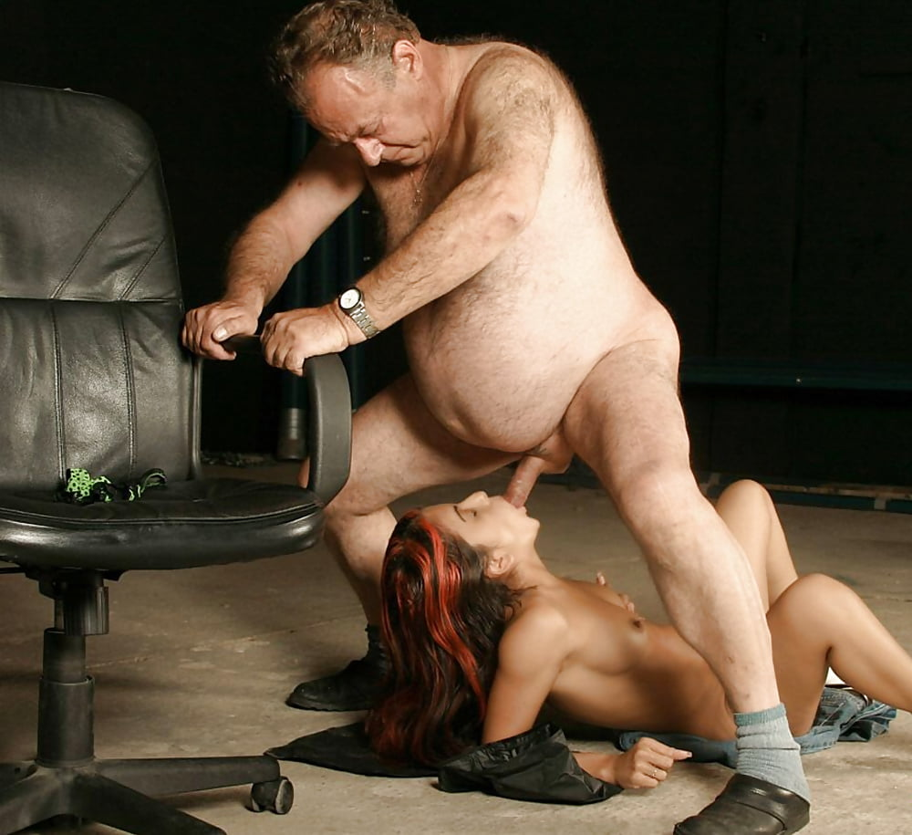 porno-tolstie-muzhik-seks-podruchnimi