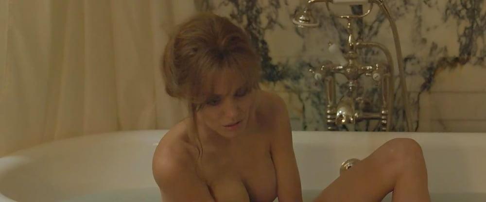 Angelina jolie taking lives nude