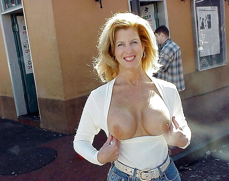 Gallery downblouse and tits