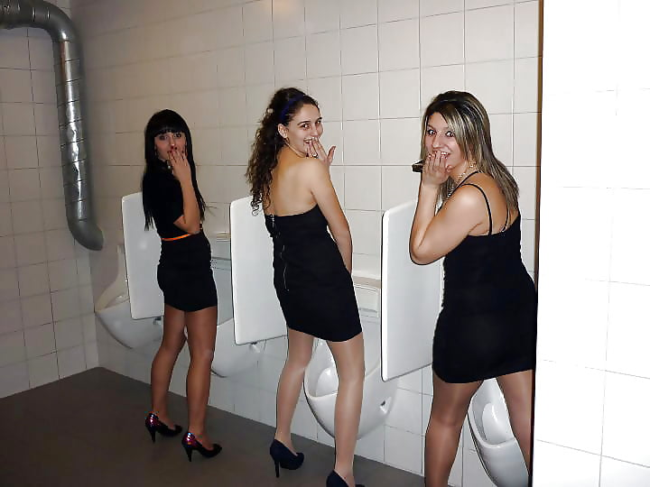 Girls use urinals the caribbean