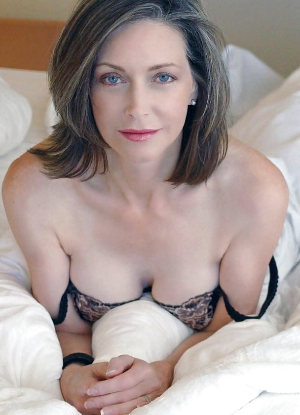 Sexy beautiful mature women — pic 5