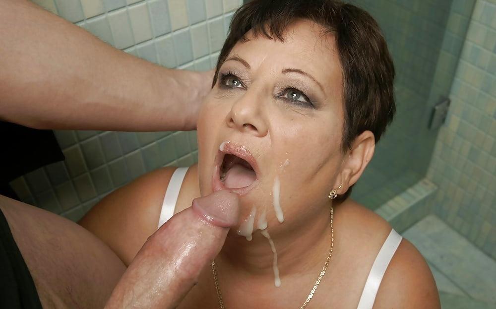 порно фото русская зрелая в туалете