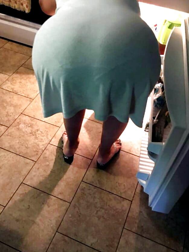 жирные женщины стоит раком