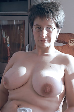 busty mature french wife veronique