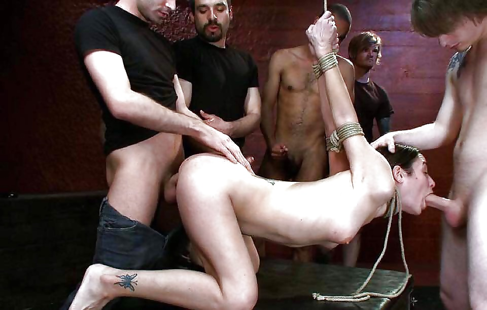 luchshee-gruppovoe-bdsm-video