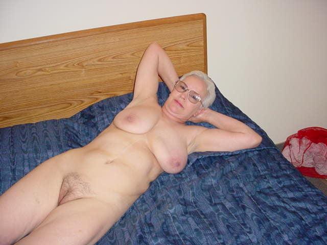 Slutty woman - 20 Pics