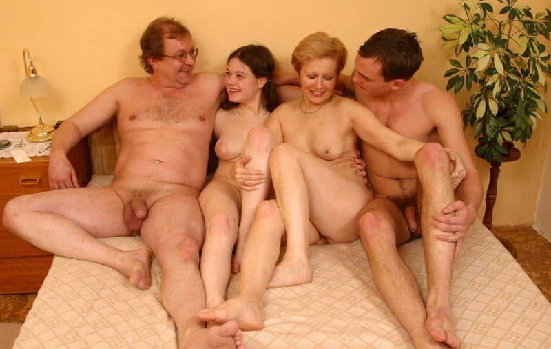 family-sex-mother-and-sontures-black-naked-body-out-the-shower