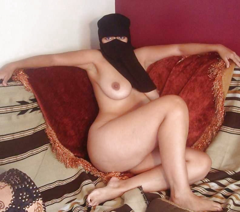 nude-arab-chicks-pics-ameteur-females-naked