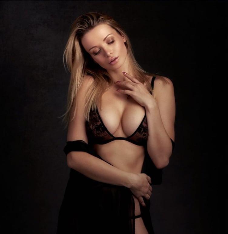 Kathy - 23 Pics