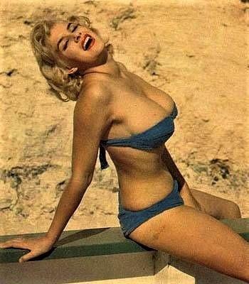 June Wilkinson  nackt