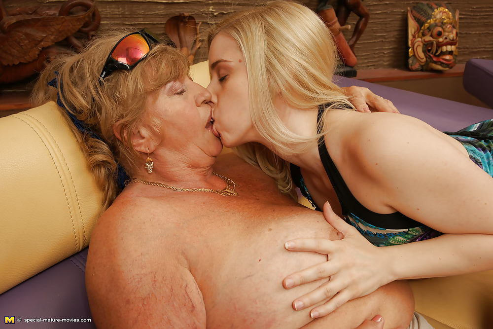 когда эротическое фото старых лесбиянок главное