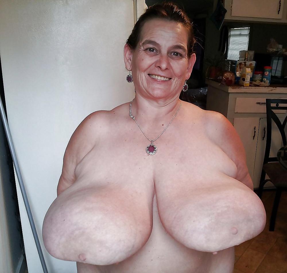 Big Hanging Tits Porn Pics
