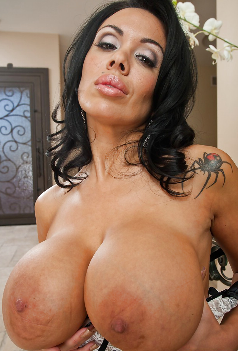 Miss sienna west showing off her sexy big tits